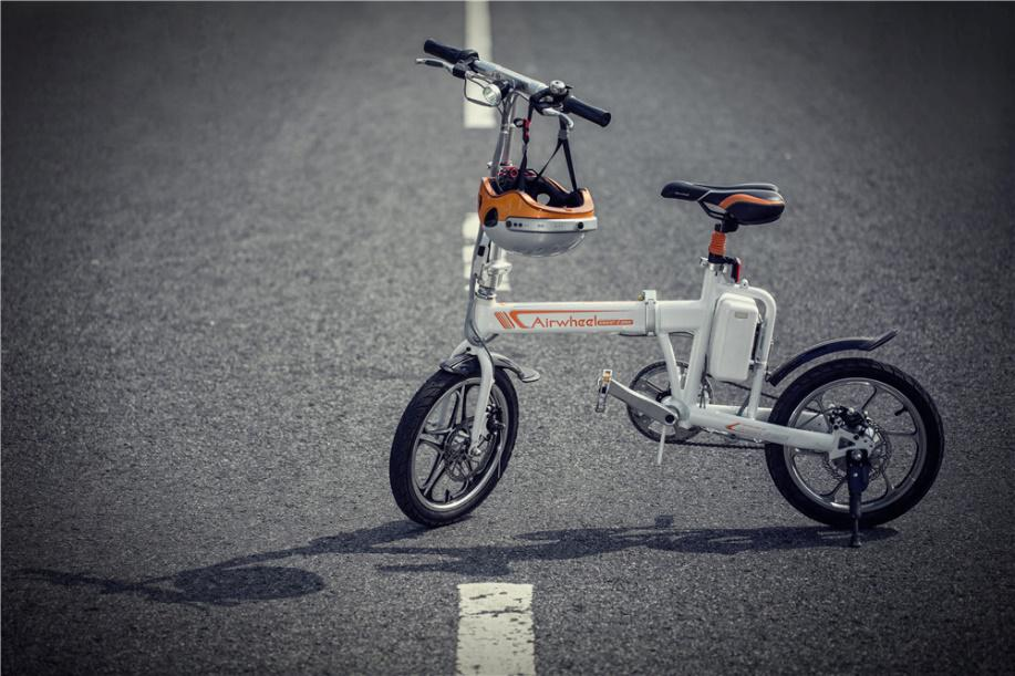 الدراجة الكهربائية Airwheel R5